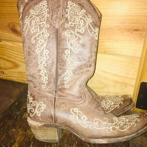 Kids size 1-2 corral wedding boots